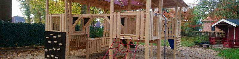 Eine neue Kletterburg für den Kindergarten in St. Michaelisdonn