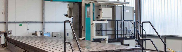 Dritte Neuinvestition 2017:  CNC-Fahrständer-Fräsmaschine ANAYAK HVM 12000