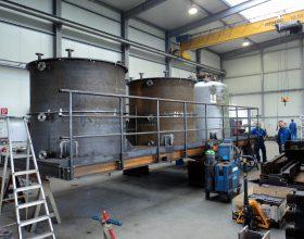 Stahlbaubühne mit Behälter