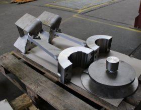 agitator components made of titanium