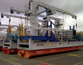 modified 40 ft flatracks for component transport