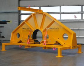 rotor shaft holding bracket