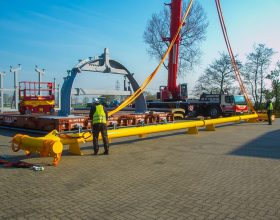 spreader and pre-assembly installation segmented steel pipe tower